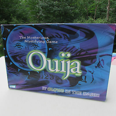 Ouija Board The Mysterious Mystifying Game Glows in the Dark 1998 complete EUC