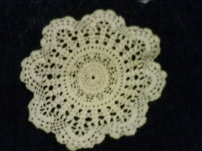 Doily off white crochet round lace