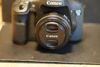 CANON EOS 7D 18.0 MP 3'' SCREEN DIGITAL CAMERA w/OEM Grip - Low shutter count