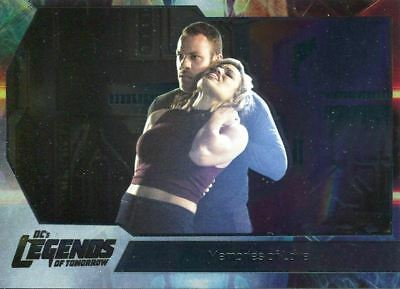 DC Legends Of Tomorrow Foil Base Card #31 Memories of Love