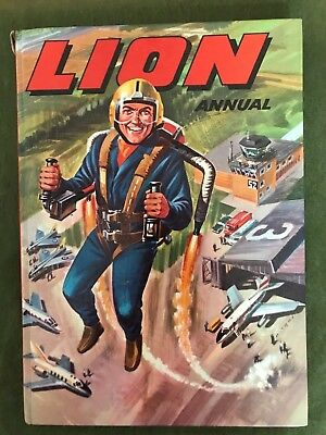 1960s vintage boys lion annual 1969 Hard cover book gadgetman & gimmick kid