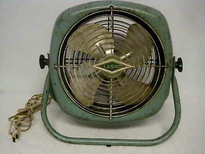 Vintage LASKO Electric Green Desk Floor Fan-Tested and Works-FAST SHIPPING!!