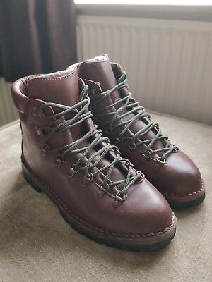 7320d825e91 LOVESON WALKING BOOTS Size 11