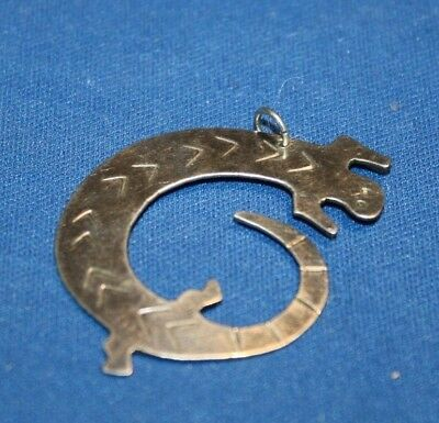 Necklaces pendants mexican ethnic regional tribal jewelry vintage mexico silver lizard pendant mozeypictures Choice Image