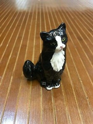 Royal Doulton England - Black And White Sitting Persian Cat No Defect!