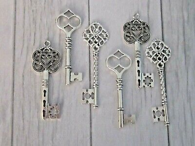Vintage Style Ornate Steampunk Large Antique Silver Metal Keys Charm DIY Whole 6