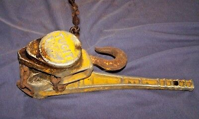 Older Vintage TUGIT 1 1/2 Ton Ratcheting Chain Hoist Come Along