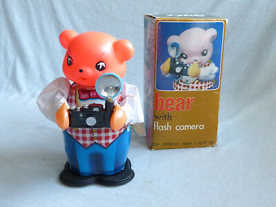Red China MS 575 Bear with flash Camera Blech Spielzeug Tin Toy 70er Jahre Ovp