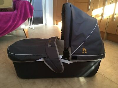 Out N About Nipper Single Carrycot