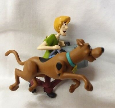 Hallmark Ornament 2002 Scooby-Doo and Shaggy Windup Movement Works