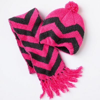 2 Piece Hat And Scarf Set ~ Pink Chevron Pattern ~ Size S/M ~ New With Tags