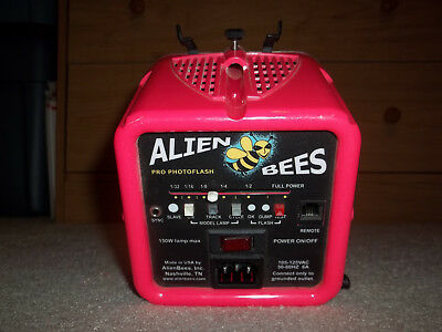 AlienBees B1600 640 WS Pro Photoflash with Bulbs Pink 150W 105-125VAC 50-60HZ