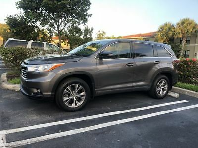 2016 Toyota Highlander LE Plus AWD 2016 Toyota Highlander LE Plus AWD