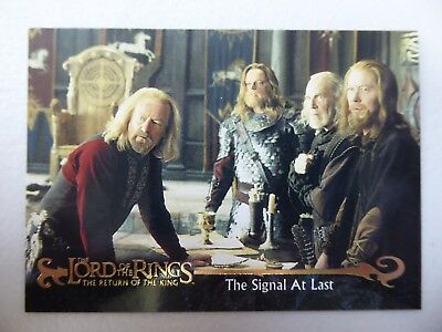 TOPPS Card : LOTR The Return Of The King  #35 THE SIGNAL AT LAST