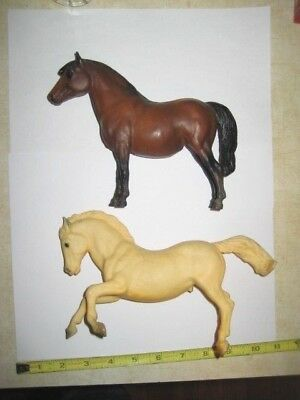 BREYER  HORSES LOT of 2 - 2 VINTAGE Horse's