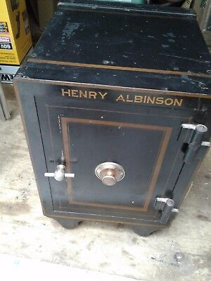 Antique 3 number combination rolling safe, nice size