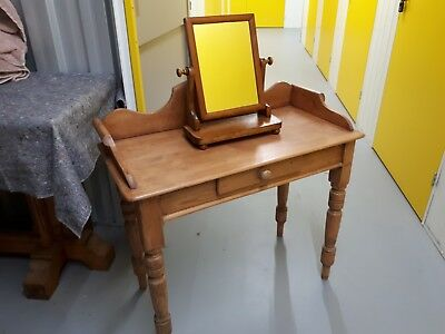 Antique waxed pine dressing table with tilting mirror
