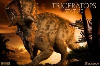 Sideshow Dinosauria Collection Triceratops