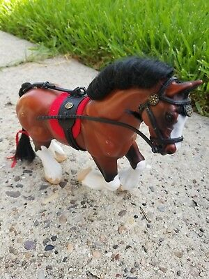 Grand Champion Clydesdale Stallion Bay toy model Horse Empire