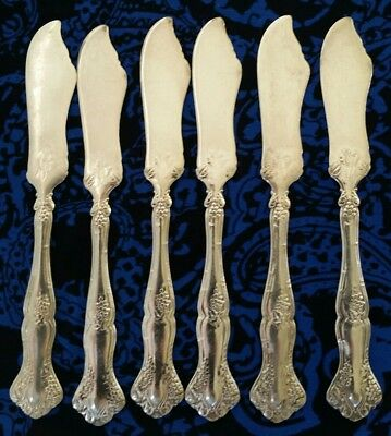 Vintage Grape 1904 Rogers 1847   Lot Of 6 Individual Butter Spreaders/ Knives