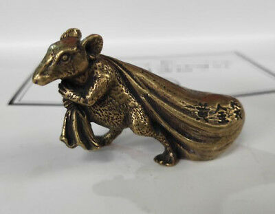 China's archaize brass Rat pull bags wealth Small statue 6cm