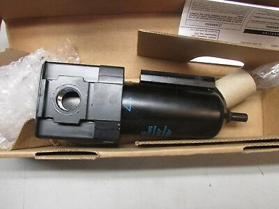 Wilkerson F28-04-SH00 Regulator 1/2""