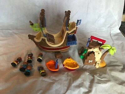 HUGE ELC EARLY Learning Centre Happyland Pirate Ship,figures,people ...