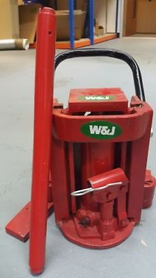 RARELY USED ** REDUCED TO SELL** W&J TG30 Hydraulic Toe Jack 3000KG 3 TONNE