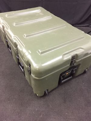 "HARDIGG/PELICAN Wheeled Shipping Case 33x21x12"" Pressure Relief Excellent Cond."