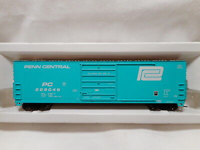 Proto 1000 - HO Scale Penn Central 50' High Roof Box Car - PC229046