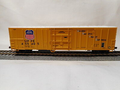 Athearn - HO Scale Union Pacific 57' Mechanical Reefer - UPFE455405.