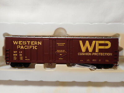 Walthers - HO Scale Western Pacific 50' Exterior Post Box Car - WPLX60530
