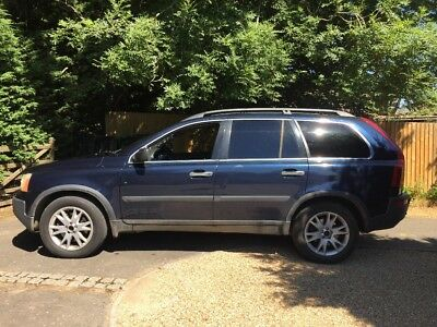 Volvo XC90 D5 SE - lots of extras