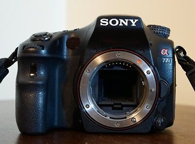 Sony A77 DSLR Camera with Accessories and Bag *VIEW PICTURES / DESCRIPTION*