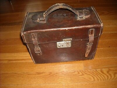 Vintage Mentor Camera with case. For parts/Repair