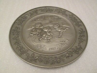 Hallmark Mary Hamilton Pewter Plate 1987 Love Glows in Every Heart 11TH IN SERIE