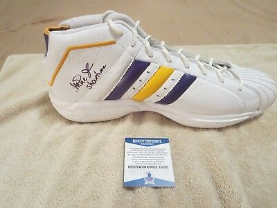 f04212e1994d Kareem Abdul Jabbar   Magic Johnson Signed Shoe Beckett Witness