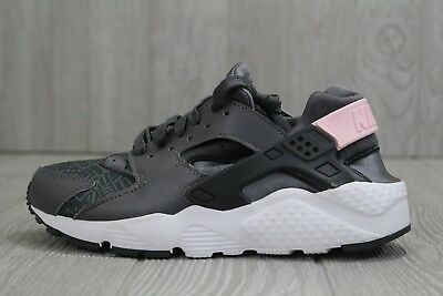 31 New Kids Nike Huarache Run SE GS Shoes Youth 4Y 4.5Y (5.5 6) Grey 904538-001