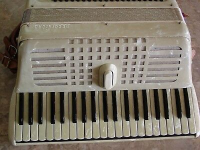 "Accordiana by Excelsior model 240 16"" keyboard Lightweight"