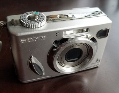 SONY DSC-W7 Digital Camera with Memory Stick and Adapter
