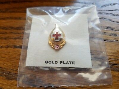Red Cross Blood Donor Pin - Red 17 Gallon