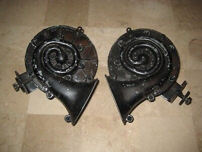 Vintage Pair Sparton Model 6A Hi Lo Auto Vehicle Horns