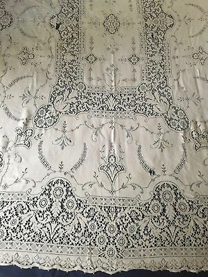 Vintage Quaker Lace Tablecloth 5420