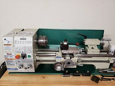 G0602 GRIZZLY BENCH Top Metal Lathe, 10 x 22-Inch, w/Phase II tool post,  Used