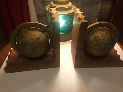 Pair Of Vintage Old World Globe Scalloped Wooden Bookends Made In Hong Kong