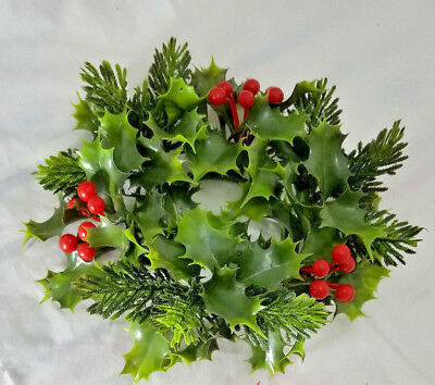 "9"" Vintage MID CENTURY Plastic Holly & Berries Wreath / 3"" Candle Ring }"