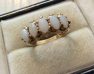 Beautiful Quality Ladies Vintage Fully Hallmarked 9CT Five Stone Opal Ring - O