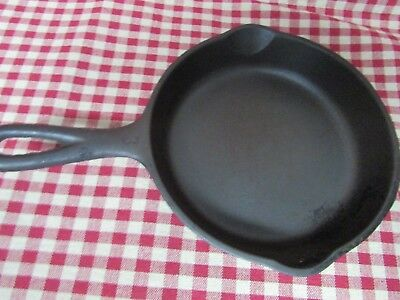 "Wagner WARE Sidney -O- Cast Iron Skillet 1053 B Double Pour Spout  6 1/2""  No 3"
