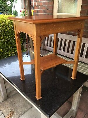 Solid Medium Oak Reproduction Arts and Crafts Occasional table