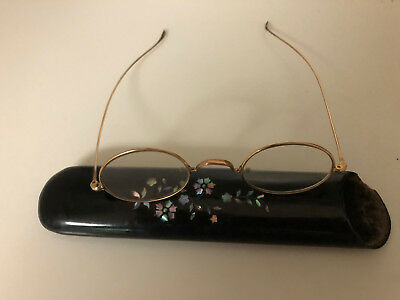 Antique Victorian Eyeglass Case M.O.pearl Black Lacquer w/ old gold wire rims